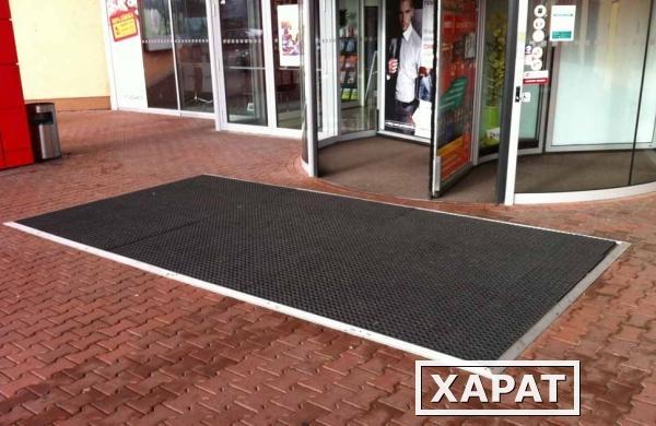 Купить резиновые коврики грязезащитные ячеистые